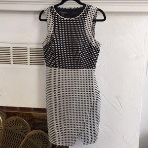 Covington sleeveless black and taupe dress